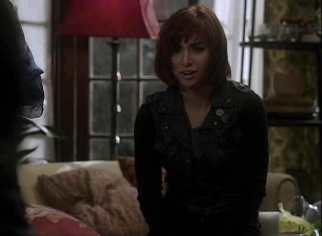 Warehouse 13 S4x01 - Claudia is affected by the loss of hope