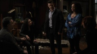Warehouse 13 S4x01 - The team must form a plan