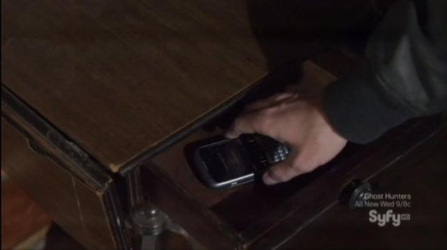 Warehouse 13 S4X07 Jinx finds phone