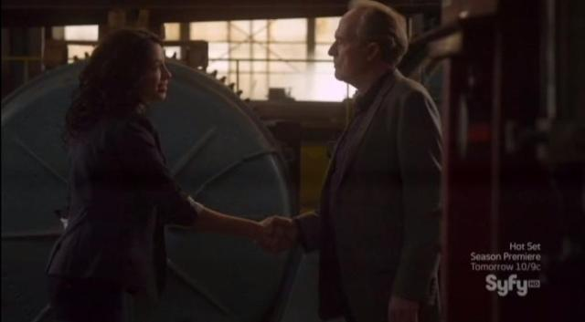 Warehouse 13 S4X08 Myka distracts Siskel