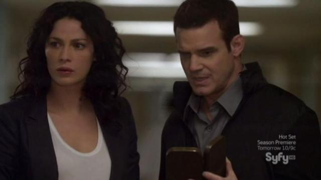 Warehouse 13 S4X08 Pete and Myka putting it together