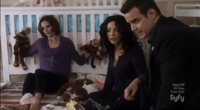 Warehouse 13 S4x09 Myka check garbage