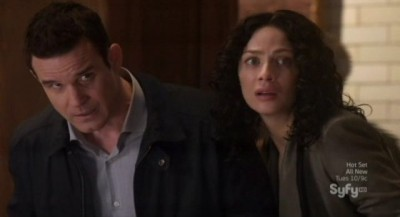 Warehouse 13 S4x10 - Artie torments Pete and Myka